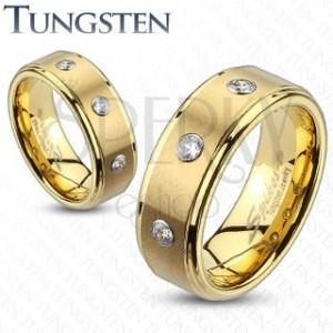 Tungstenový prsteň s brúseným pásom a troma zirkónmi