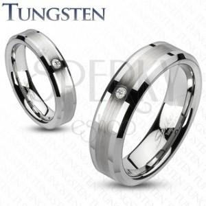 Tungstenový prsteň s brúseným stredom a zirkónom