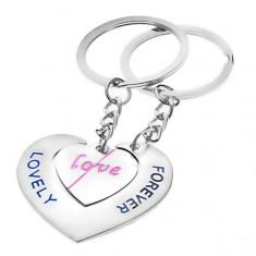Šperky eshop - Prívesky na kľúče pre zamilovaných - srdcia s nápismi LOVE a LOVELY FOREVER Y23.11