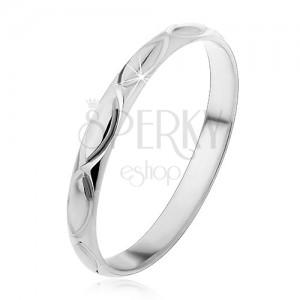 Strieborný prsteň 925 - gravírované obrysy zrniečka