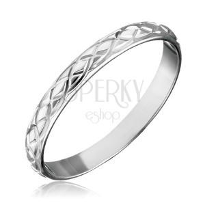 Strieborný prsteň 925 - prepletané gravírované slzy