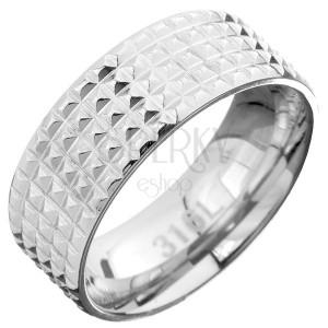 Oceľový prsteň - obrúčka s kosoštvorcovými zárezmi