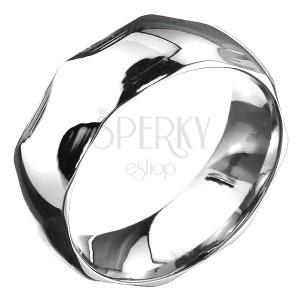 Oceľový prsteň - zaoblená obrúčka a polkruhové priehlbiny, strieborná farba