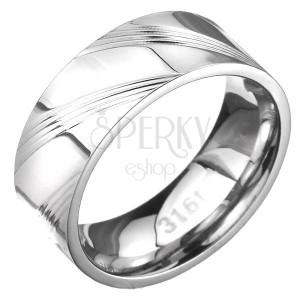 Prsteň z ocele - obrúčka so šikmými ryhami po obvode