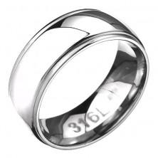 Prsteň z ocele - zaoblená obrúčka s dvoma ryhami po okrajoch