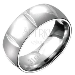 Prsteň z ocele - zaoblená obrúčka s priečnymi zárezmi