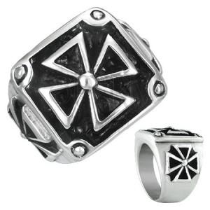 Pečatný prsteň z ocele - maltézsky kríž v ráme s patinou