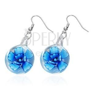 Náušničky s modrým kvetom v sklíčku na kovových háčikoch