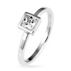 Šperky eshop - Strieborný prsteň 925 - vystúpený štvorcový zirkón v objímke E7.8 - Veľkosť: 50 mm